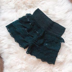 Pants - 3/50$🌸🌸mini lace short🌸🌸